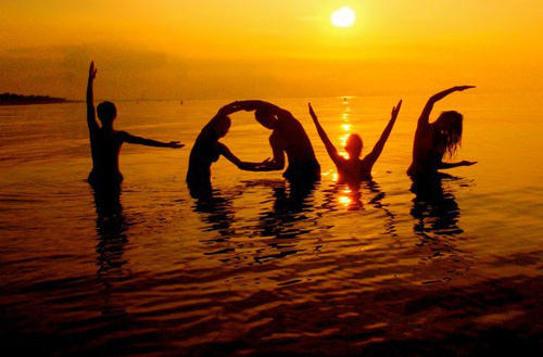 beach-love-separate-with-comma-sun-water-Favim.com-220562
